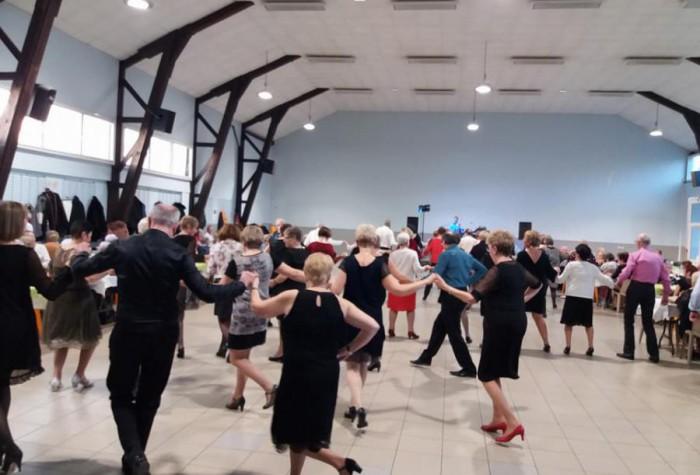 Les Dimanches Dansants