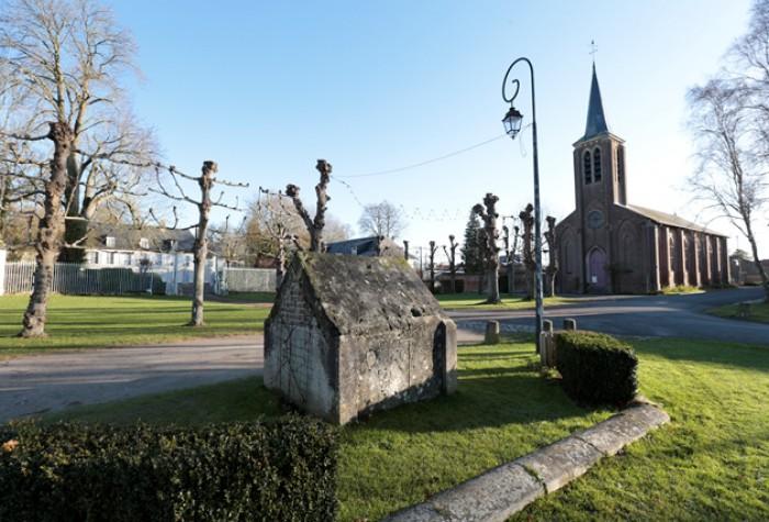 Un clocher, un village : Ferrières