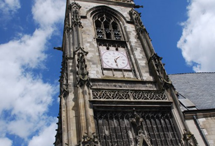 Visite expresso : place de l'église Saint-Leu